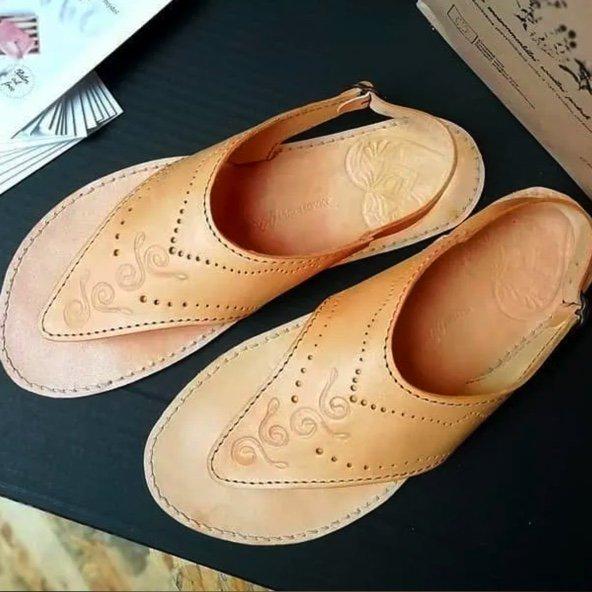 Elafaustus Botky Mechovky custom leather sandals