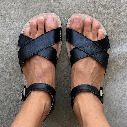 Zeazoo black leather criss cross sandals