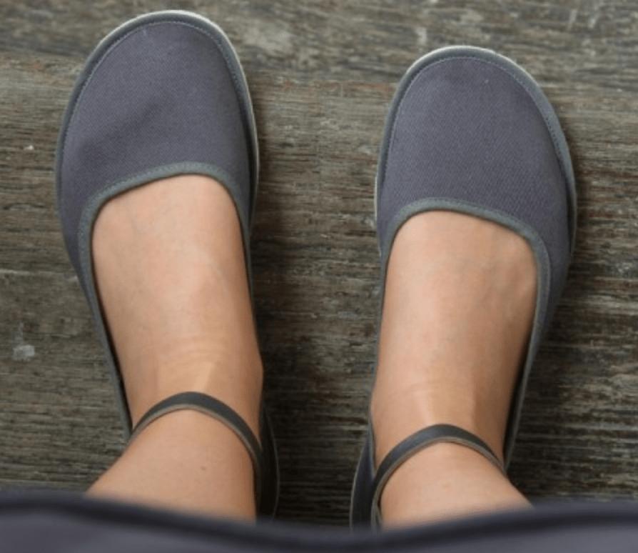 barefoot minimalist vegan ballet flats made by Ursanina