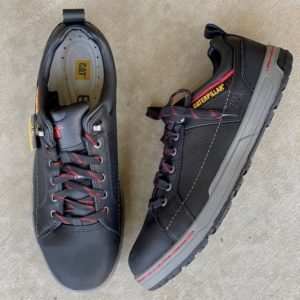 close up of the zero drop steel toe safety shoe caterprillar brode in black