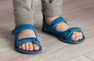 Zapato Feroz barefoot sandals for little and big kids