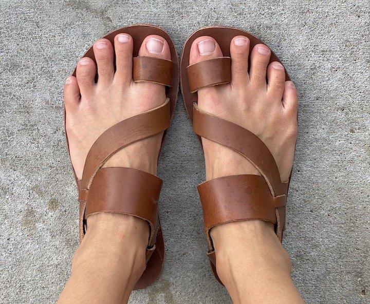 top down view of vivobarefoot Kuru II brown leather sandals